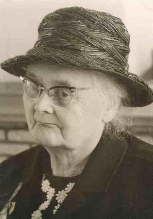Johanna (Anna) Bosselaar, my grandmother a few years before she died in 1972.