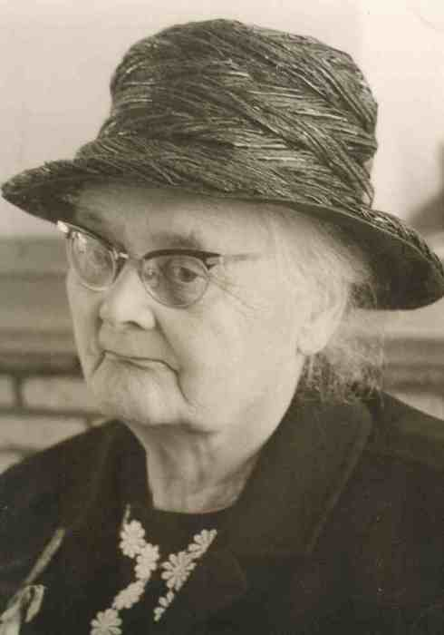 Johanna (Anna) Bosselaar, my grandmother a few years before she died.